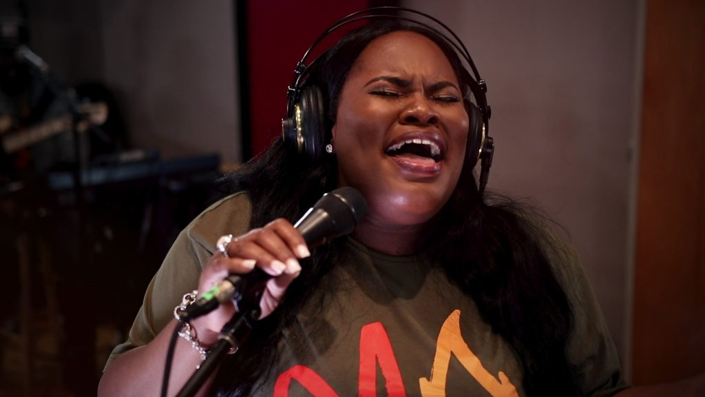 GRACEFULLY BROKEN BY TASHA COBBS LEONARD MP3 DOWNLOAD